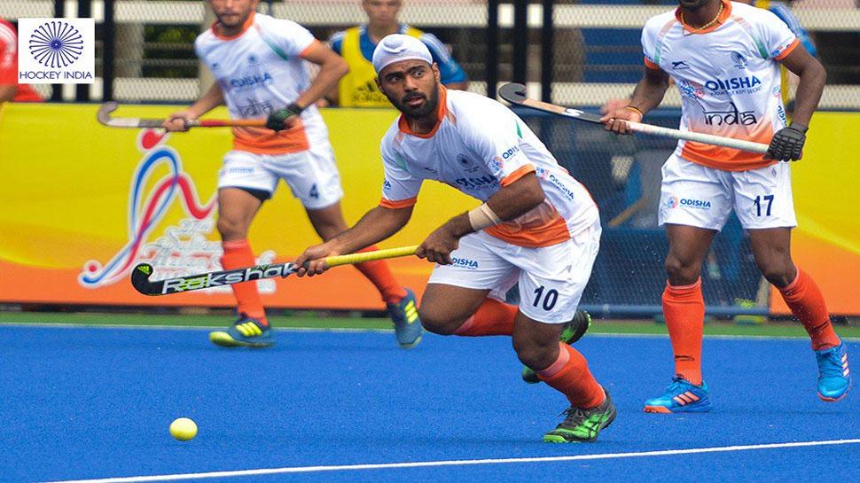 हॉकी खिलाड़ियों के खाने में मिले कीड़े और बाल, कोच हरेन्द्र सिंह ने की शिकायत