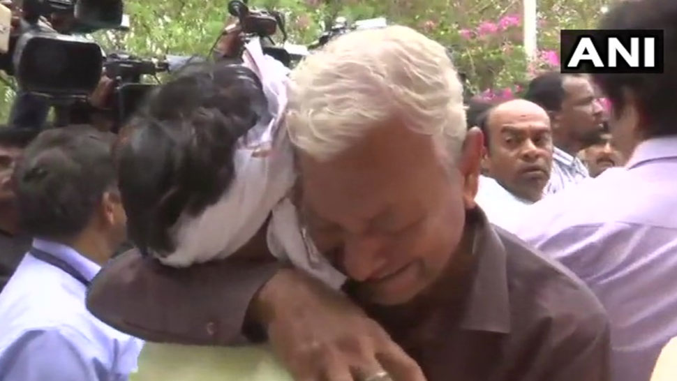 mortal remains of spiritual leader Bhaiyyuji Maharaj