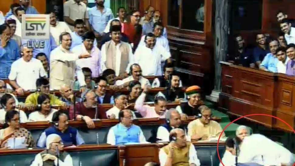 Video: 'मैं आपके लिए पप्पू हूं..' और फिर यूं राहुल गांधी ने पीएम मोदी को लगाया गले