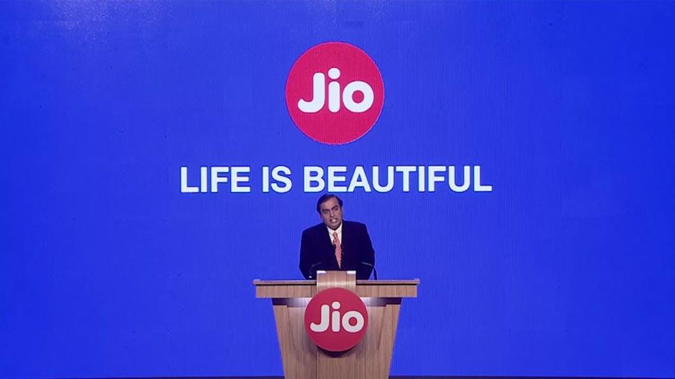 Jio वालों के लिए बंपर धमाका, 6 महीने तक फ्री मिलेगा अनलिमिटेड 4G डाटा
