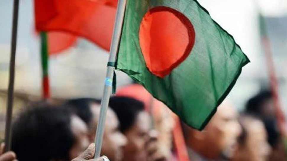 बांग्लादेश: साथियों पर हमला होने से पत्रकार नाराज, सरकार को दिया 72 घंटे का अल्टीमेटम