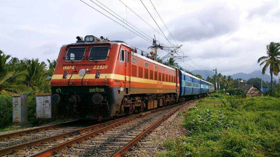 अयोध्या के श्रावण झूला मेले के लिए चलेंगी 2 जोड़ी स्पेशल ट्रेनें