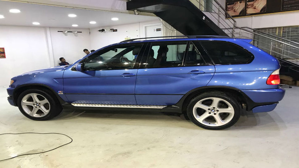 आपके पास भी है सचिन तेंदुलकर की BMW X5M खरीदने का मौका!