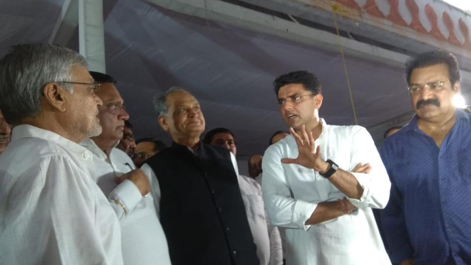 राहुल गांधी के जयपुर दौरे से पहले एकजुटता दिखाते नजर आए पायलट-गहलोत