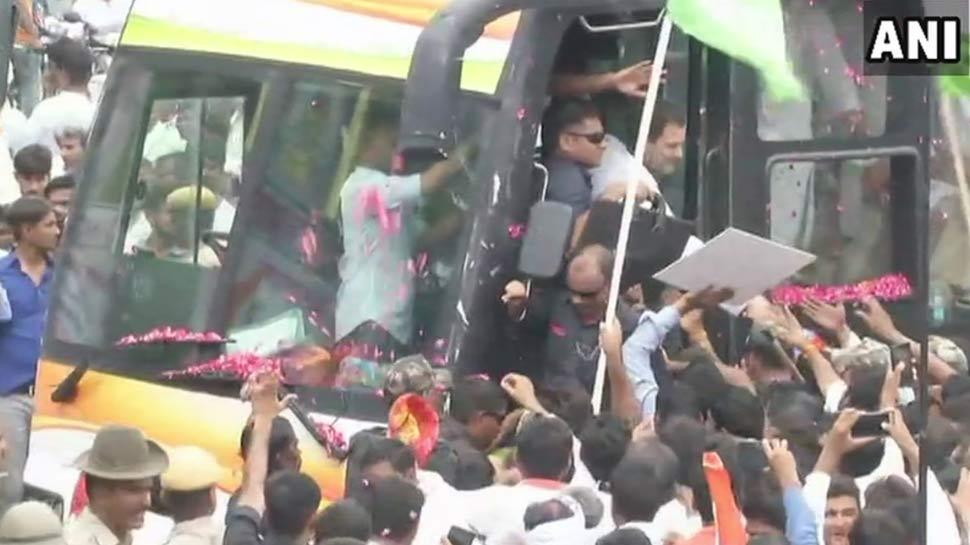 LIVE : जयपुर में राहुल गांधी के रोड शो में बड़ी संख्या में लोग मौजूद, रामलीला मैदान में होगी सभा