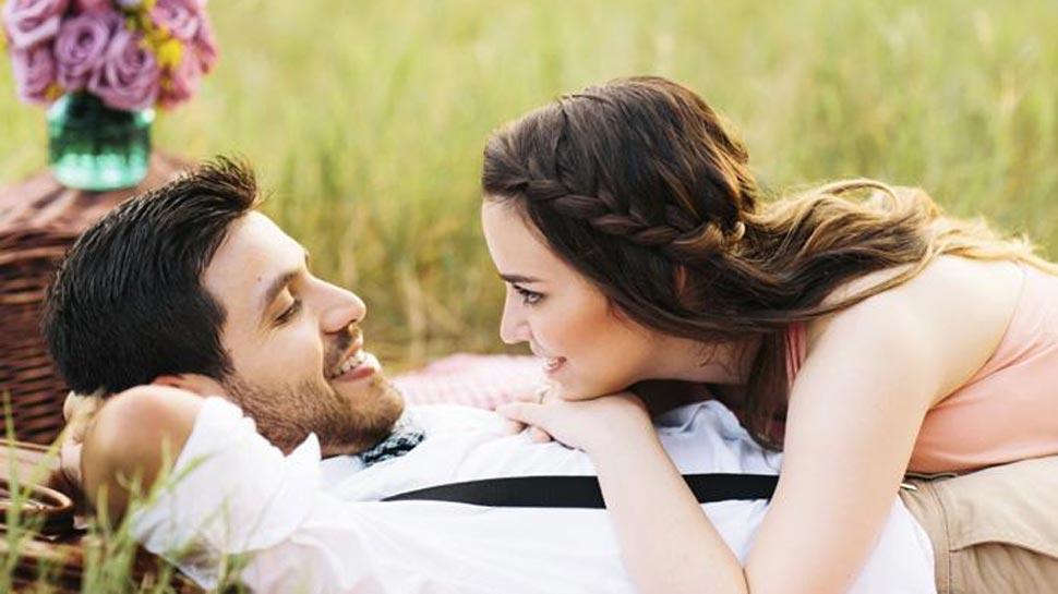 खुल गया राज!  ज्यादा बुद्धिमान होने से रोमांटिक साथी तलाशने में आ सकती हैं दिक्कतें