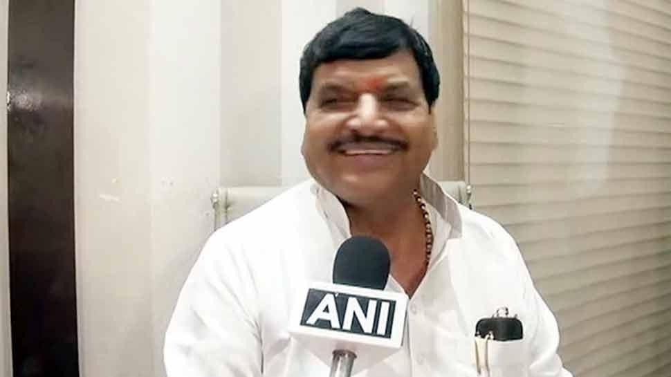 सपा नेता शिवपाल यादव के बागी तेवर, समाजवादी सेक्युलर मोर्चा का किया गठन