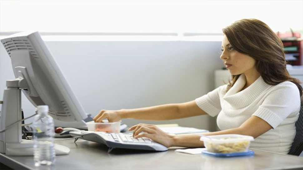अगर आप लंबे समय तक बैठकर करते हैं काम तो हो जाएं चौकन्ने!