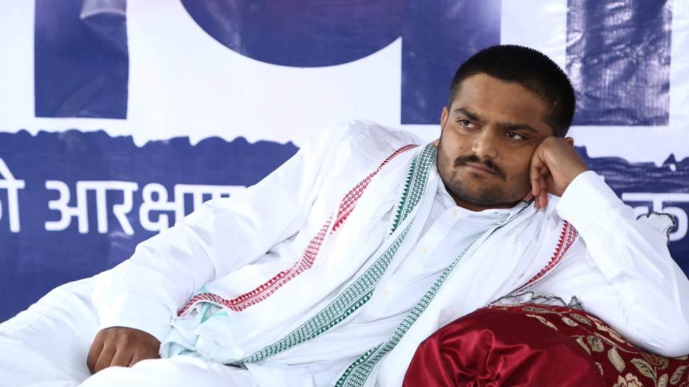 आखिरकार गुजरात सरकार ने अनशन पर बैठे हार्दिक पटेल को मनाने का प्रयास शुरू किया