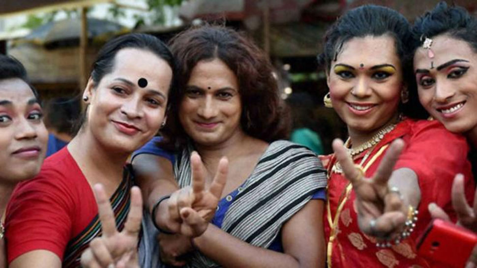 कौन है धारा 377 पर कानूनी जंग जीतने वाली LGBT कम्'€à¤¯à¥à¤¨à¤¿à¤Ÿà¥€, जानें उनके बारे में
