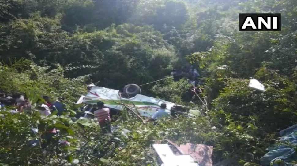 उत्तराखंड: बस के खाई में गिरने से पांच लोगों की मौत, 21 घायल