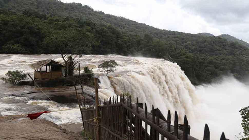 केरल बाढ़ : अब तक पटरी पर लौट नहीं पाई है जिंदगी, केंद्र करेगा और मदद
