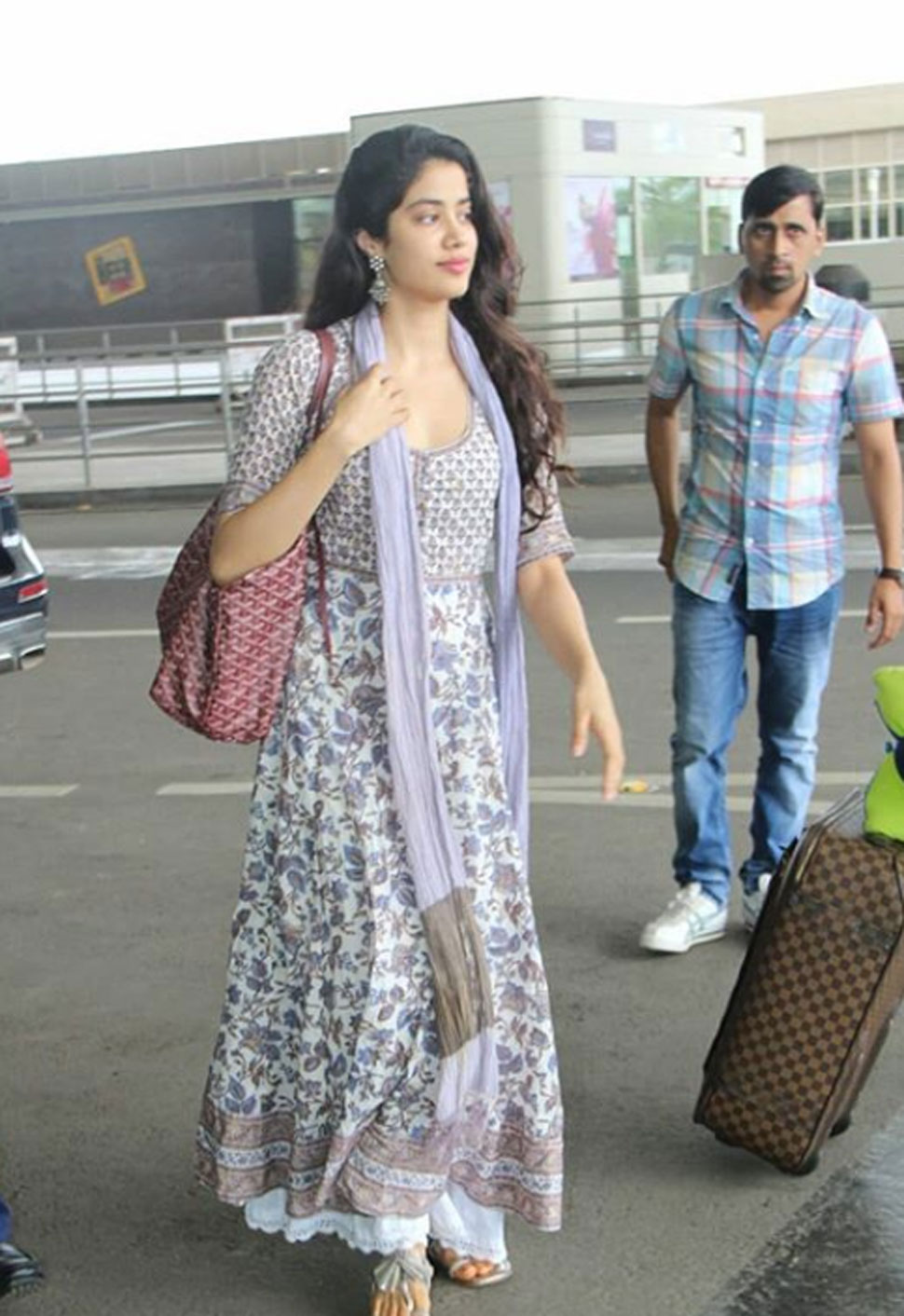 Lifestyle, Bollywood Celebs, Office Look, Ethnic Look