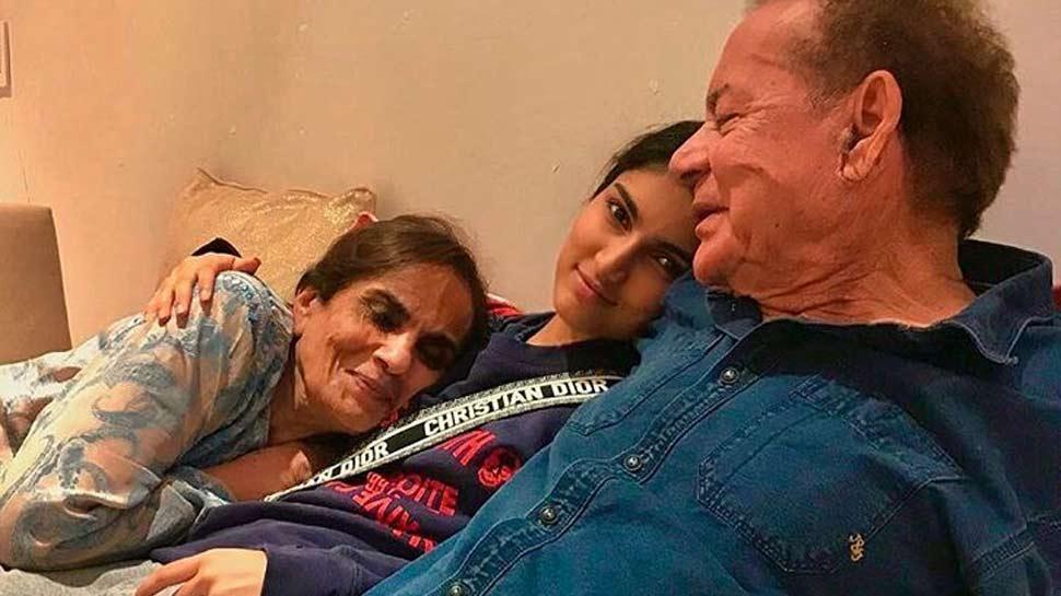 'नाना-नानी के साथ नजर आई सलमान खान की भांजी, सोशल मीडिया पर वायरल हो रही है तस्वीर