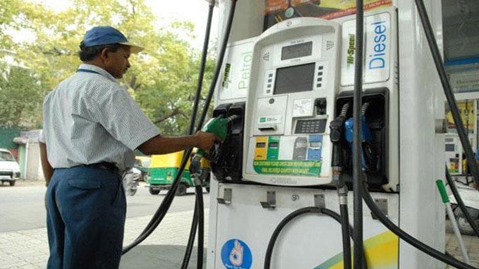 पेट्रोल और डीजल की कीमतों में फिर हुआ इजाफा, आज भी बनाया रिकॉर्ड