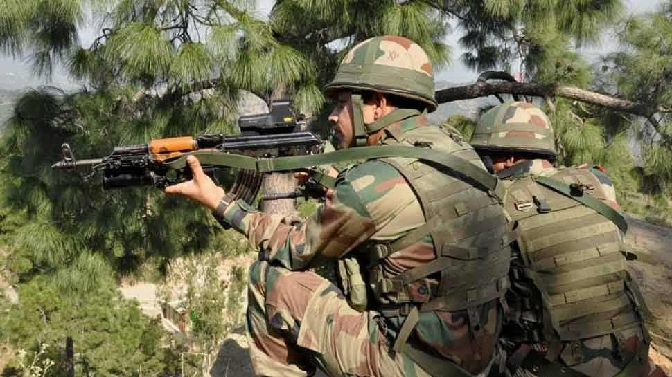 जम्मू-कश्मीर : हंदवाड़ा में सुरक्षाबलों ने मार गिराए लश्कर के 2 आतंकी