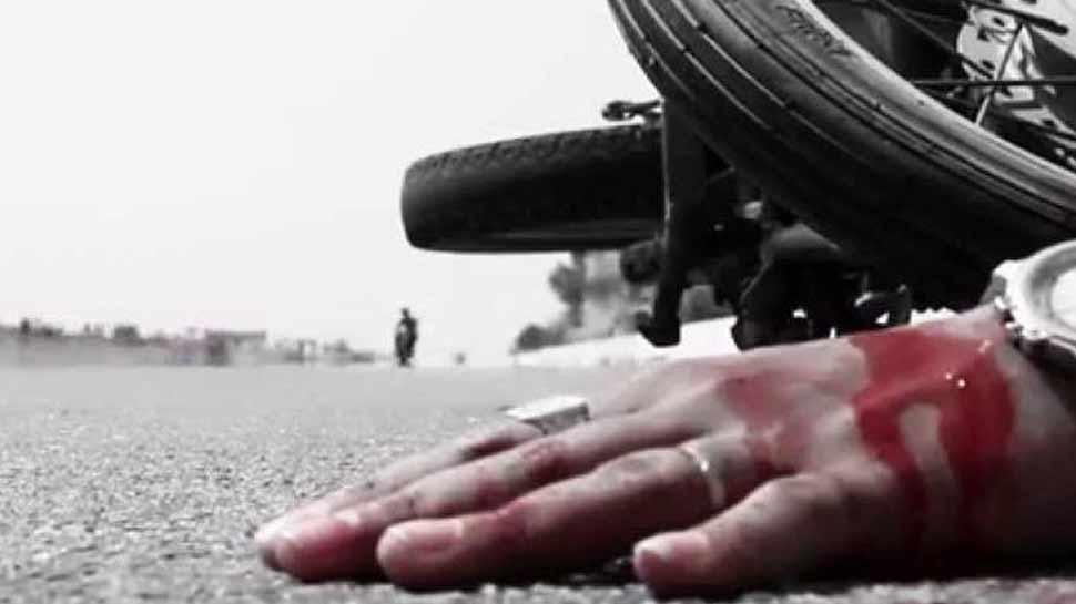 मथुरा: सड़क हादसे में मां-बेटा सहित तीन की मौत