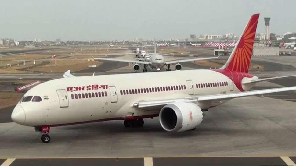 Air India की विमान सेवा में आई कमी, 27 में 21 ड्रीमलाइनर ही भर रहे हैं उड़ान