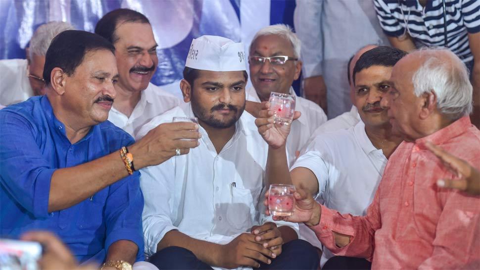अहमदाबाद: 19वें दिन हार्दिक पटेल ने खत्म किया उपवास, नहीं हुआ कोई समझौता
