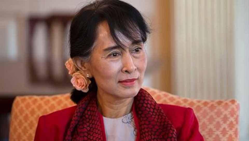 """म्यांमार: """"रॉयटर"""" के पत्रकारों की गिरफ्तारी के विवाद पर आंग सांग सू ने कहा, कानून के उल्लंघन पर मिली सजा"""
