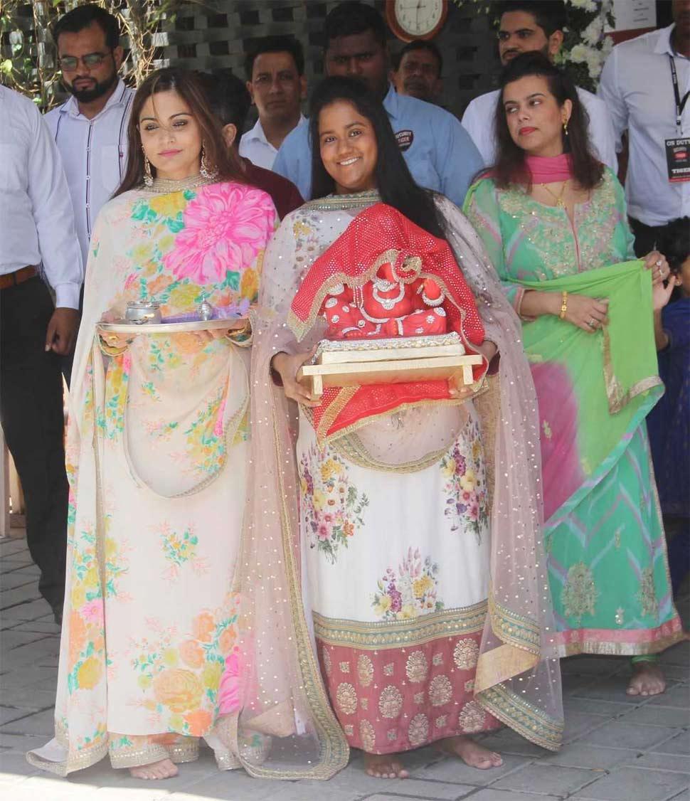 Salman Khan Sisters Arpita Khan Sharma with Alvira Khan