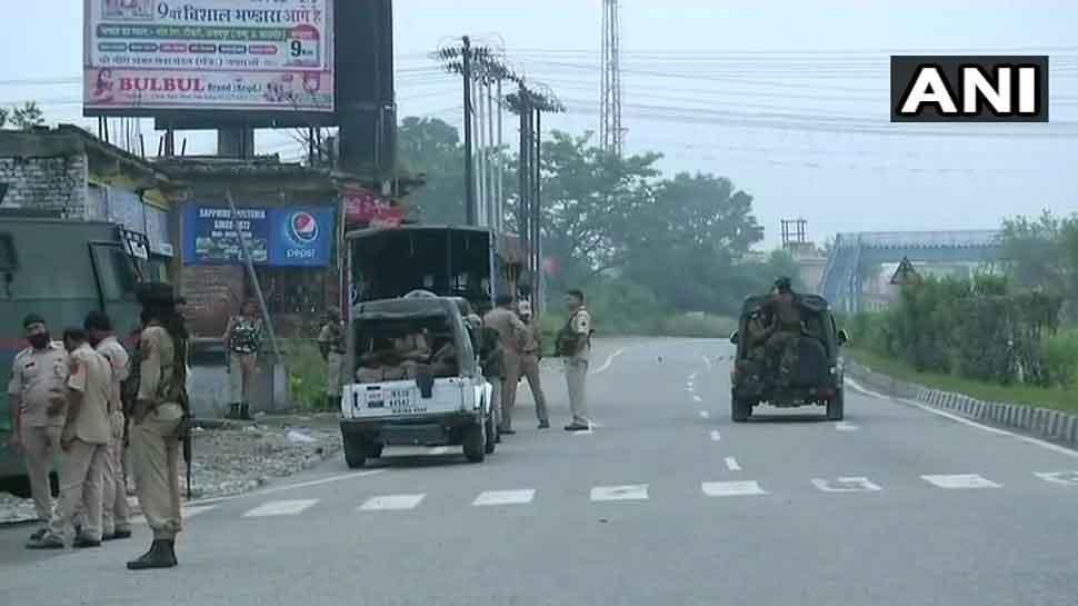 जम्मू कश्मीर : सेना को फरार आतंकवादियों का मिला सुराग, मुठभेड़ जारी