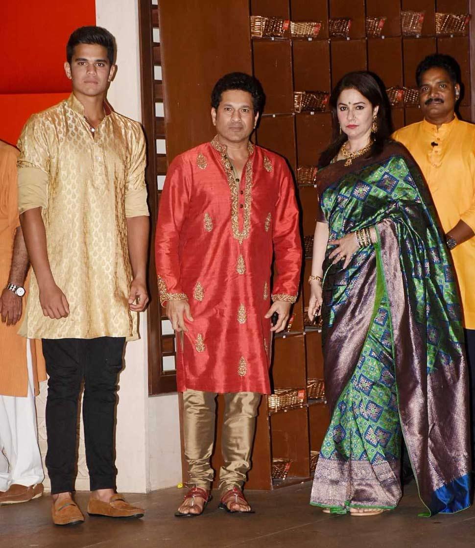 Sachin Tendulkar with wife and Son