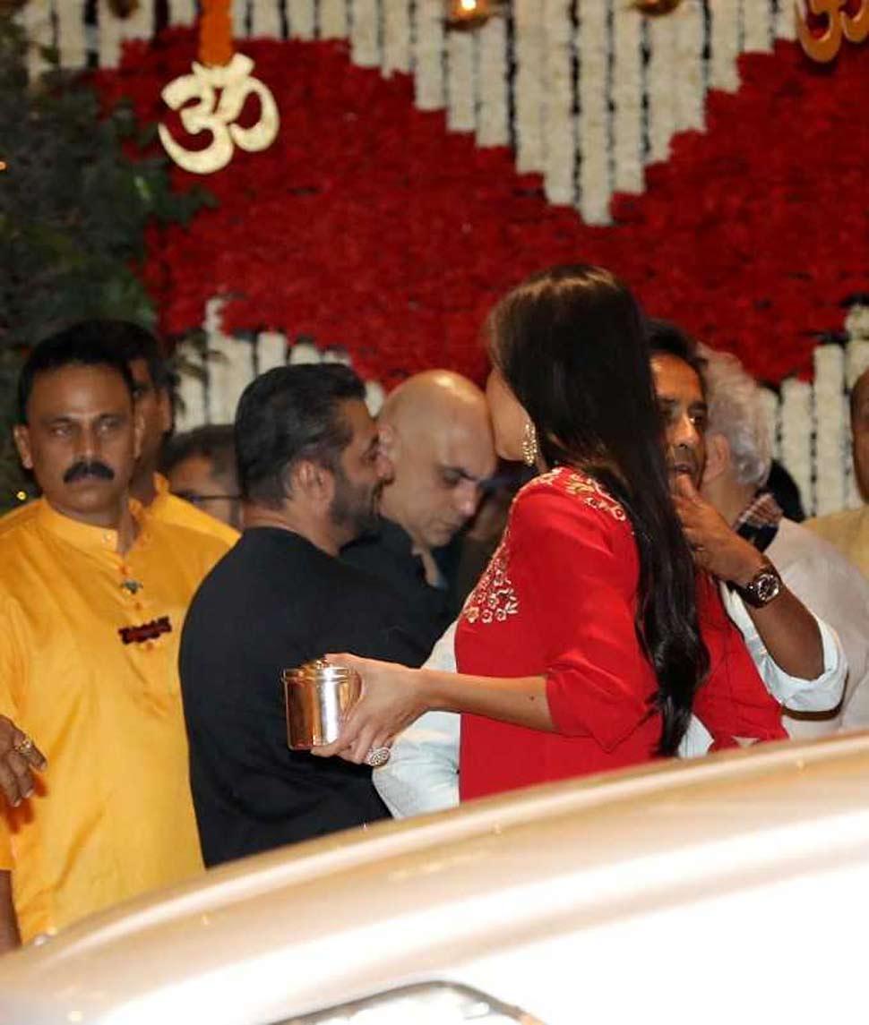 Bollywood Actor Salman khan with katrina Kaif