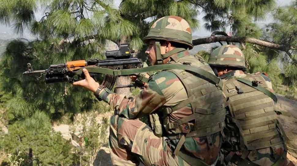 जम्मू कश्मीर के शोपियां में 4 पुलिसकर्मी लापता, हिजबुल आतंकी ने दी थी धमकी