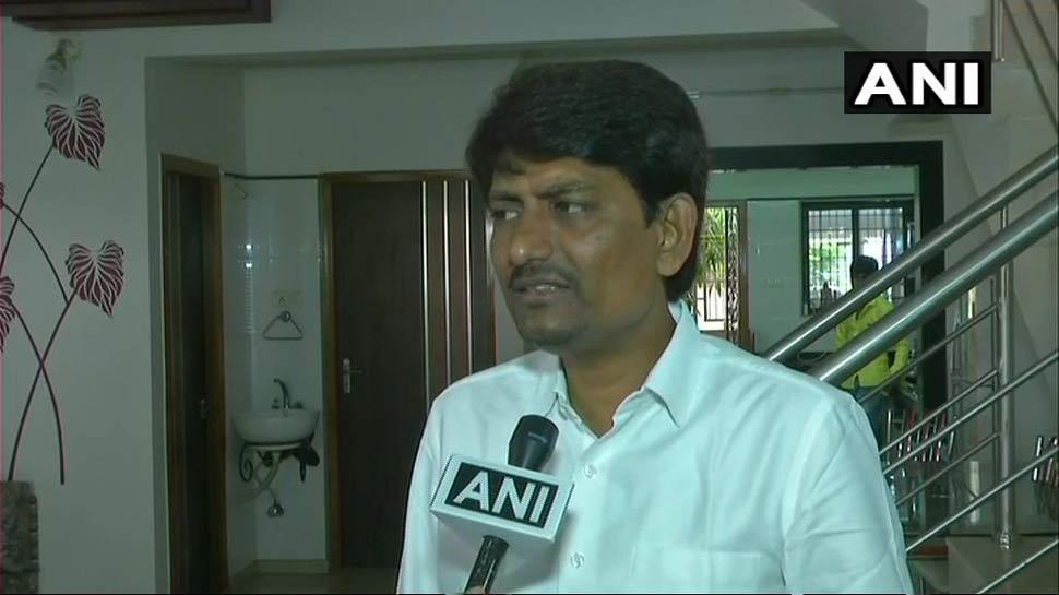 गुजरात: उपवास पर बैठे अल्पेश ठाकोर, कहा, 'नफरत फैलाने में कभी शामिल नहीं रहा'
