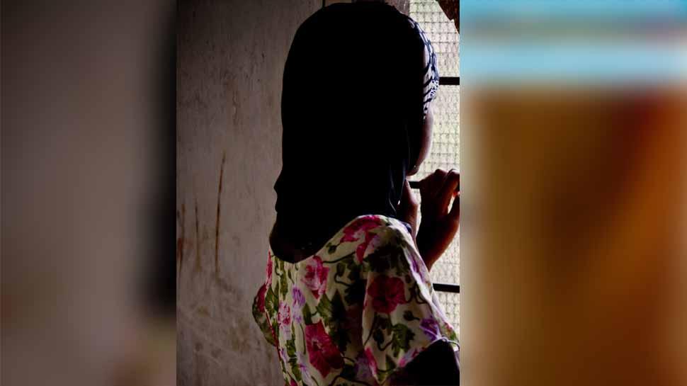 इस देश में गर्भवती युवतियों को नहीं है पढ़ने की इजाजत, साल में दो बार होता है प्रैग्नेंसी टेस्ट