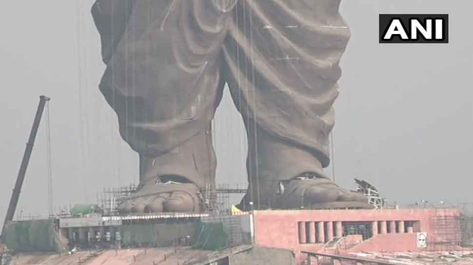 Sardar Vallabhbhai Patel's 'Statue of Unity' at Narmada bank being given final touches-3