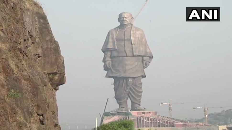 Sardar Vallabhbhai Patel's 'Statue of Unity' at Narmada bank being given final touches-2