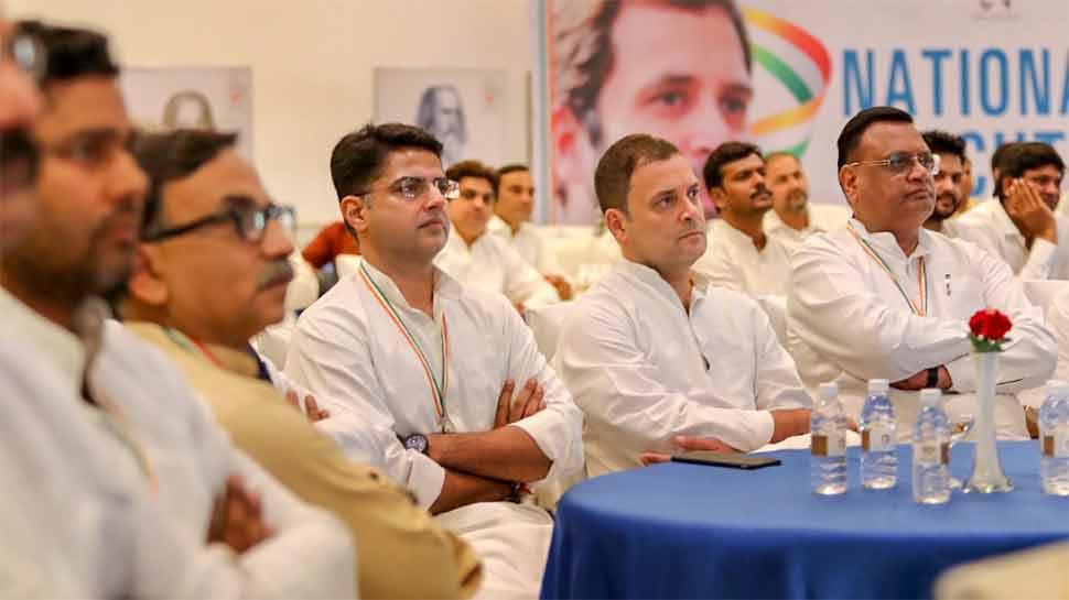 कांग्रेस ने दिल्ली में जारी किया खर्च कटौती का सर्कुलर, उधर जयपुर में 5 स्टार होटल में हो रही थी मीटिंग