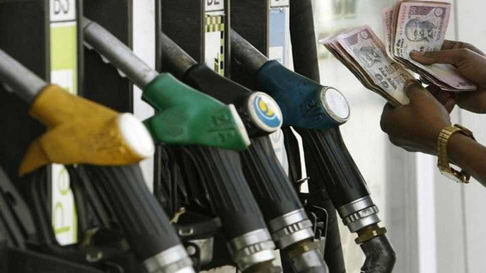 10 दिन में पेट्रोल-डीजल ने दी बड़ी राहत, आज इतने घट गए दाम
