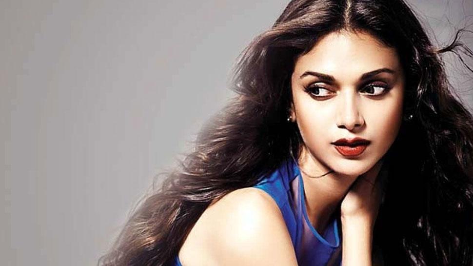 Image result for अदिति ने तमिल फिल्म 'श्रंगारम्' से अपना एक्टिंग करियर की शुरुआत