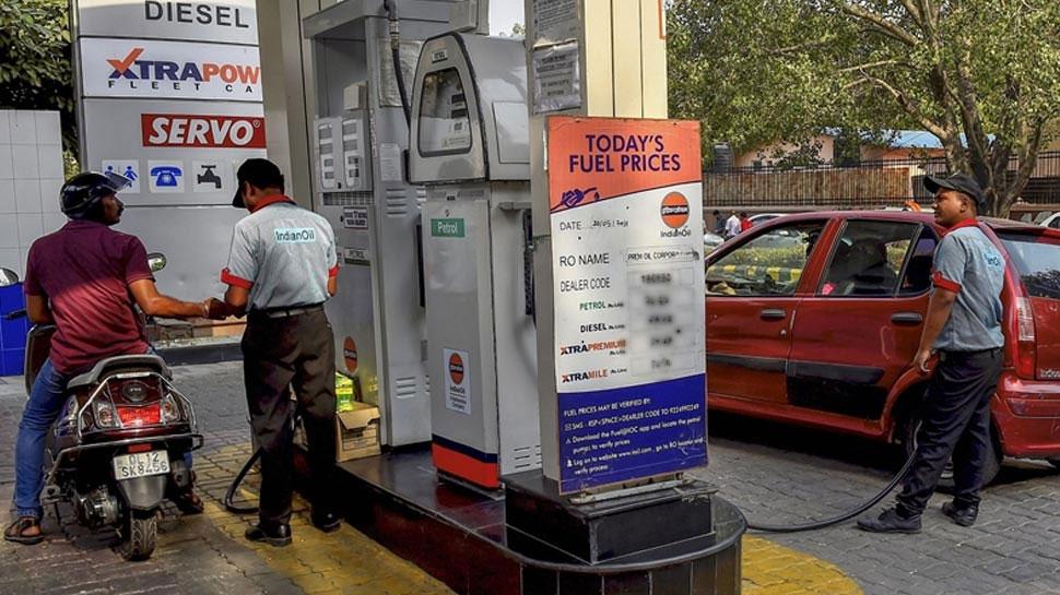 13वें दिन भी सस्'€à¤¤à¤¾ हुआ पेट्रोल-डीजल, दिल्'€à¤²à¥€ में 80 रुपये/ली के नीचे आया पेट्रोल, जानें आज के रेट