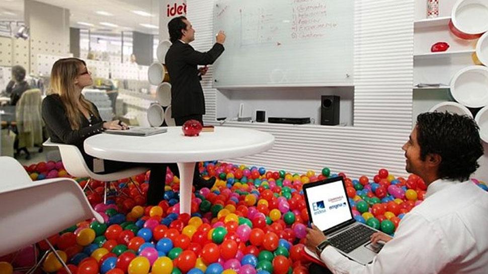 ऑफिस में काम से नहीं होगा स्ट्रैस, ऐसे बन सकता है खुशनुमा माहौल