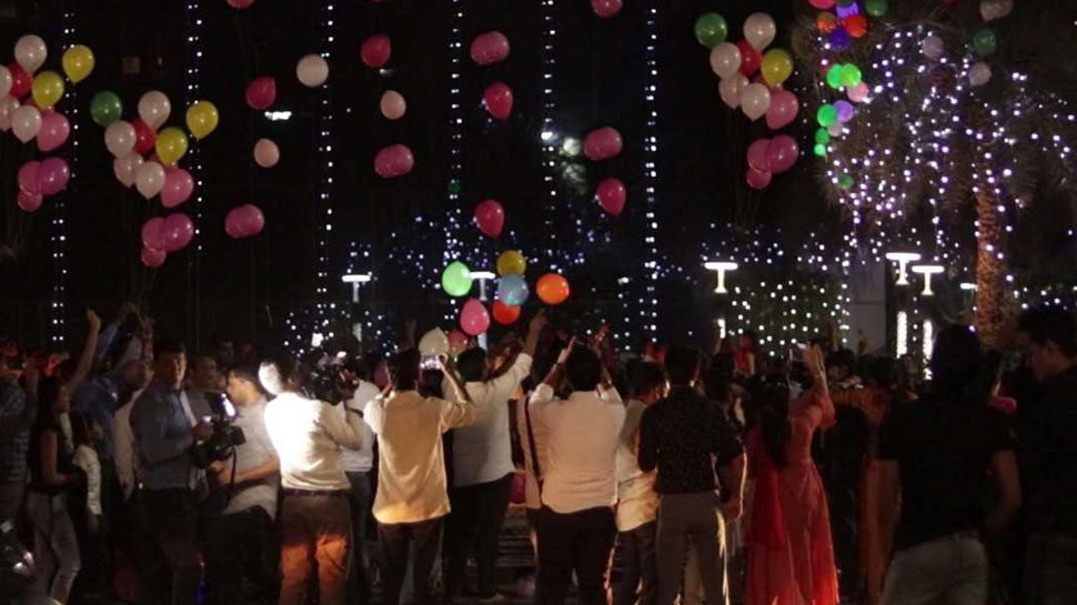 राजस्थान: दीयों और मिठाइयों के बीच बच्चों ने LED BALLONS के साथ दिया ग्रीन दिवाली का संदेश