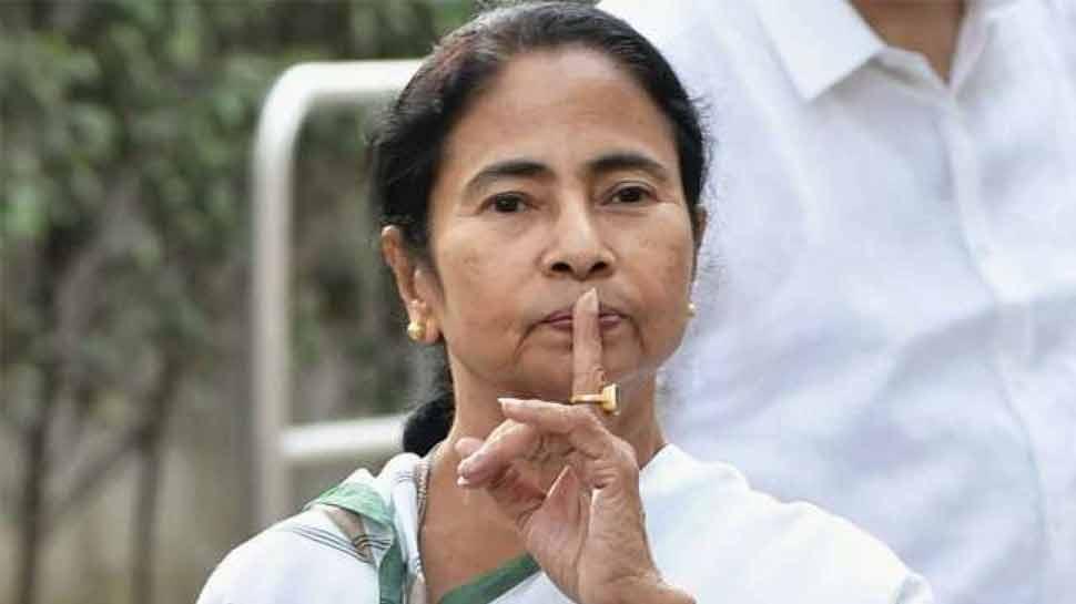 आज है नोटबंदी की दूसरी सालगिरह, ममता ने कसा तंज तो कांग्रेस देशभर में करेगी प्रदर्शन