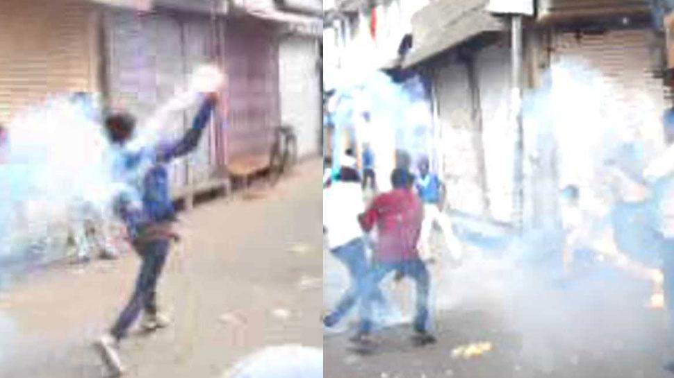 राजस्थान: यहां लोग खेलते हैं 'खतरनाक' दिवाली, एक-दूसरे पर फोड़ते हैं पटाखे