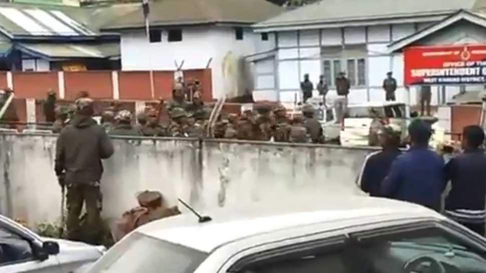 पुलिस थाने में तोड़फोड़: IAS एसोसिएशन ने अरुणाचल स्काउट्स के खिलाफ एक्'€à¤¶à¤¨ की मांग की