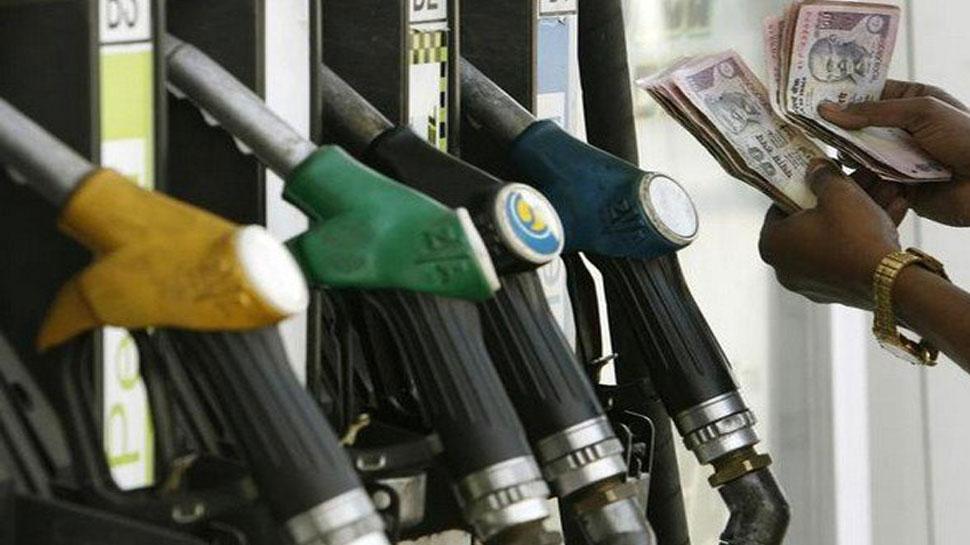 पेट्रोल के दामों में हुई 13 पैसे/लीटर की कटौती, डीजल भी हुआ सस्'€à¤¤à¤¾, जानें आज के रेट