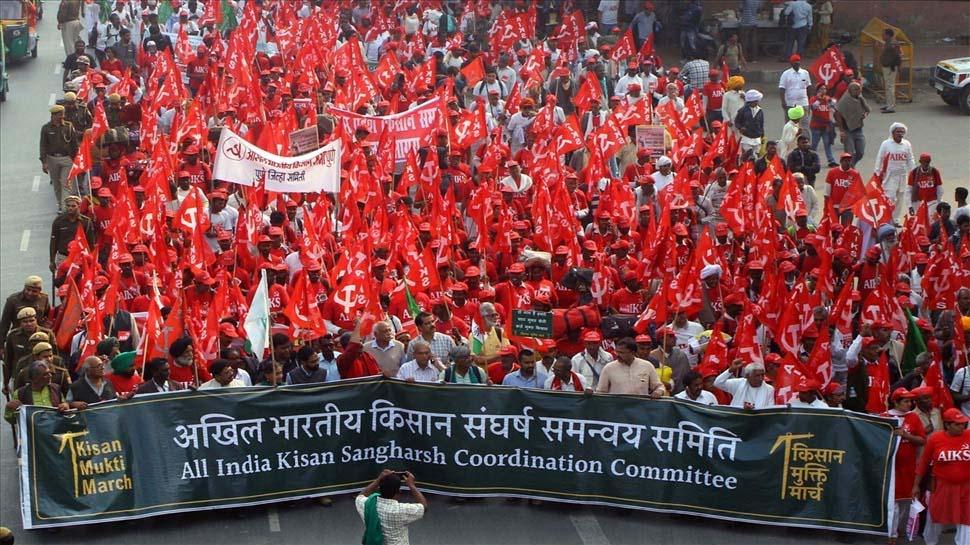 Image result for दिल्ली के रामलीला मैदान में जुटे हजारों किसान