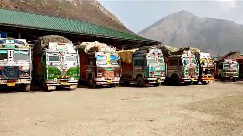 पाकिस्तान द्वारा सीजफायर उल्लंघन के बाद भारत-पाक क्रॉस LoC व्यापार निलंबित