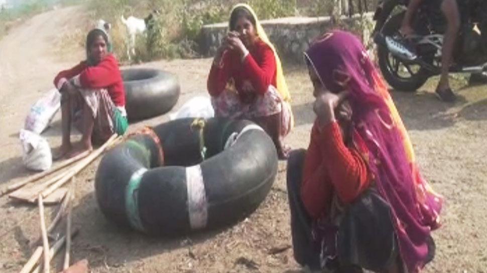 Chambal, crocodile, tube, चंबल नदी, मगरमच्छ, मौत का सफर
