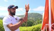 VIDEO, टीम इंडिया ने श्रीलंका की धरती पर फहराया तिरंगा, गाया राष्ट्रगान