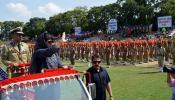 कश्मीर में राष्ट्रगान के सम्मान में नहीं खड़े हुए लोग, सीएम महबूबा मुफ्ती थीं मौजूद