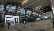 दिल्ली एयरपोर्ट पर पायलट ने देखा 'ड्रोन', 40 मिनट तक बंद रहीं उड़ानें