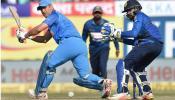 हारी बाजी में भी धोनी बने मैच के हीरो, सोशल मीडिया ने की जमकर तारीफ
